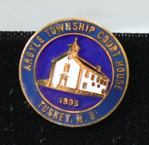 round courthouse pin